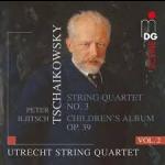 柴可夫斯基:弦樂四重奏全集第二輯 ( 雙層SACD )<br>降 E 大調第三號弦樂四重奏 作品30號、兒童曲集 作品39號(杜賓斯基改編為弦樂四重奏版本)<br>荷蘭烏特勒支弦樂四重奏樂團<br>Tschaikowsky, String Quartets Vol. 2<br>String Quartet No.3 in E flat minor, Op.30<br>Children's Album, Op. 39 (arr. for String Quartet by Rostislav Dubinsky)<br>Utrecht String Quartet